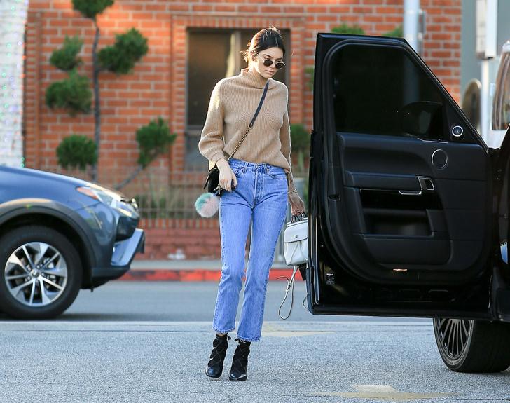 Фото №4 - Если джинсы растянулись: 3 проверенных способа сделать их меньше