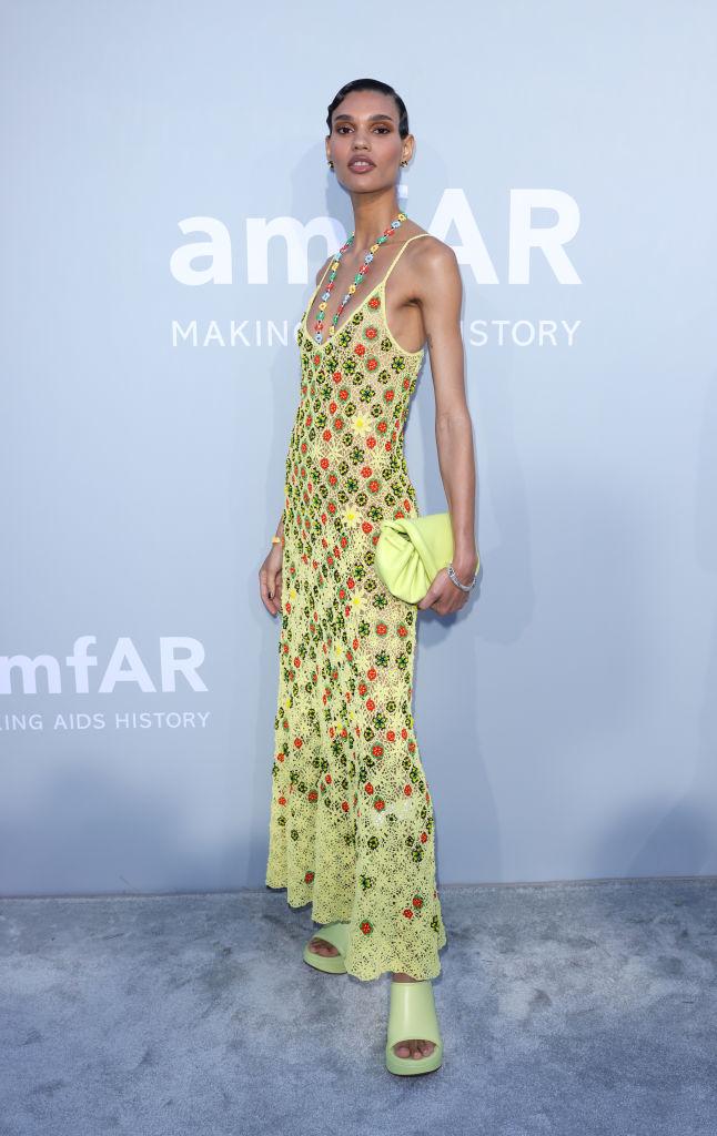 Фото №1 - Самое красивое платье бала amfAR. Версия 4. Майка в стиле кроше Bottega Veneta