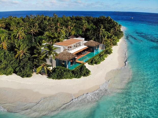 Фото №1 - Голубая мечта: новый курорт на Мальдивах, ради которого вы захотите купить билет на самолет