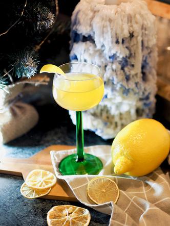 Фото №4 - 4 оригинальных новогодних коктейля, каждый из которых достоин стать звездой вечеринки