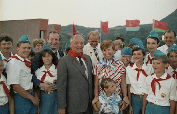 Фото №12 - Женщина с огромным сердцем и нелегкой судьбой: все о Раисе Горбачевой — единственной официальной первой леди СССР