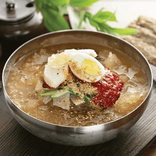 Фото №3 - Тест: Выбери любимое азиатское блюдо, и мы посоветуем тебе классную мангу 🍥