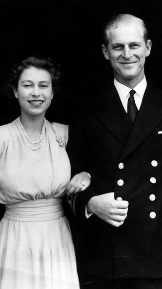 Фото №3 - Не просто украшения: самые красивые драгоценности, которые принц Филипп дарил Королеве
