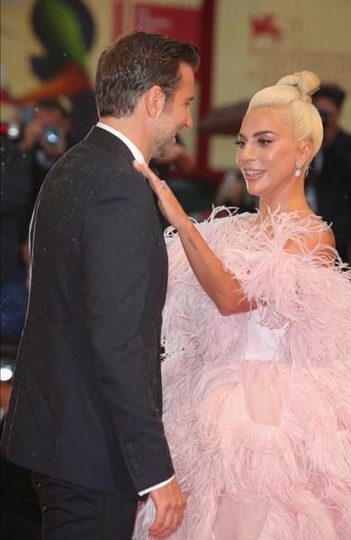 Брэдли Купер, Леди Гага