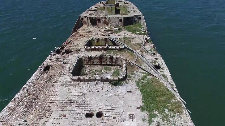 Фото №2 - Как выглядят корабли из бетона. Да-да, самые настоящие, а не макеты