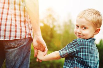 Семейная системная психотерапия помогает взглянуть на отношения в семье с новой точки зрения