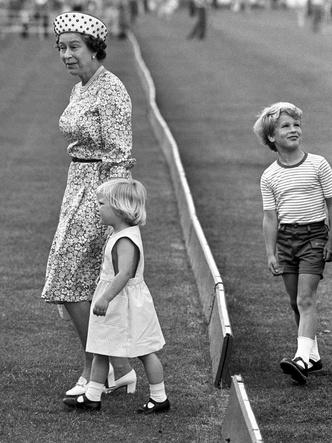 Фото №2 - Все внучки и правнучки Елизаветы II, названные в ее честь