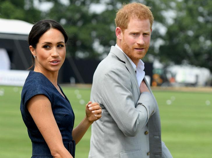 Фото №1 - Королевские запросы: сколько Гарри и Меган хотят получать за каждое свое появление