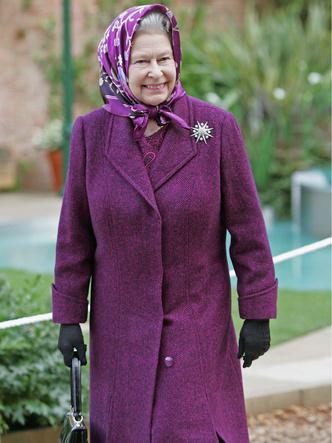 Фото №10 - Одним цветом: как королевские особы носят монохромные образы— 30 вдохновляющих примеров