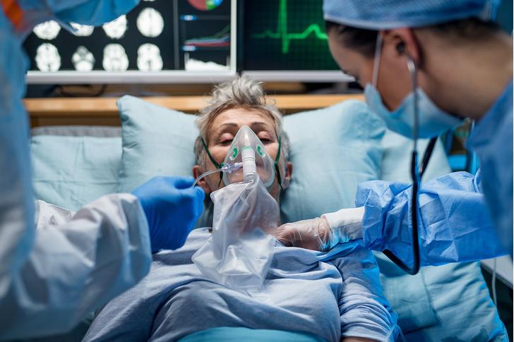 Фото №2 - Вытянули с того света: 6 случаев, когда врачи спасли почти безнадежных больных с Covid-19