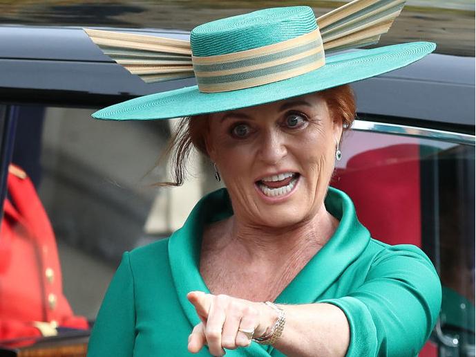 Фото №6 - Самые смешные случайные фотографии, сделанные на королевских свадьбах