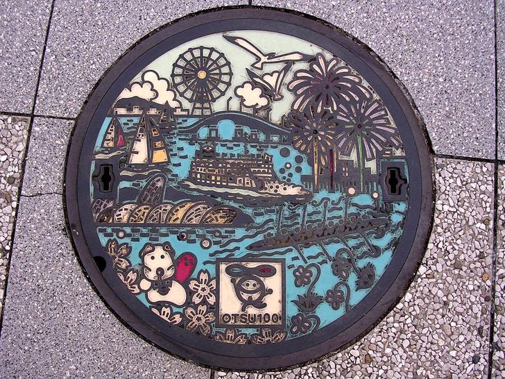 Фото №1 - 24 красивейших канализационных люка из Японии