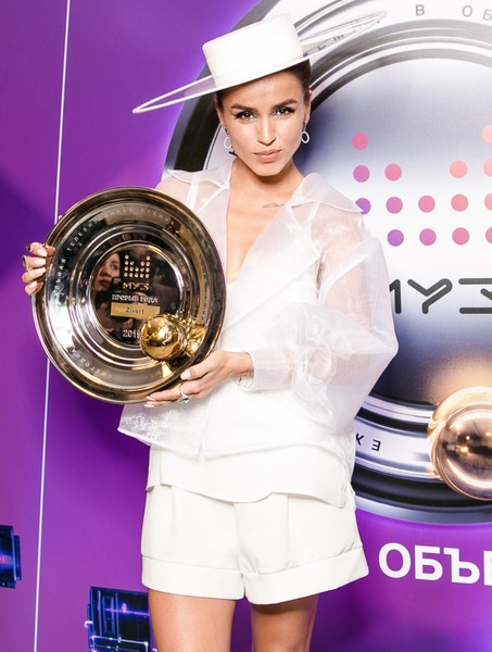 Фото №2 - «Премия Муз-ТВ 2019»: Бузова не получила ни одной награды, а Крид с Киркоровым забрали по три