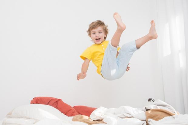 Фото №1 - «Почему сын оттягивает время отхода ко сну?»