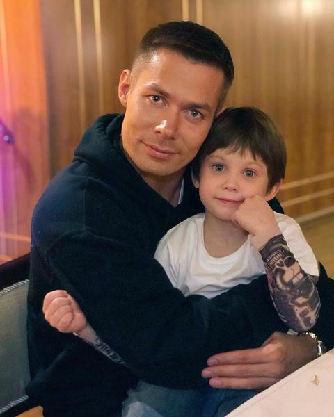 Маленького сына Стаса Пьехи избили на даче под Петербургом