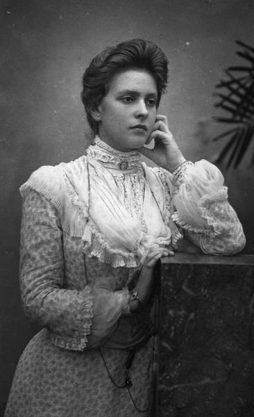 Фото №2 - «Бешенство матки», опыты Фрейда, жизнь в изгнании: история свекрови Елизаветы II, которую считали сумасшедшей