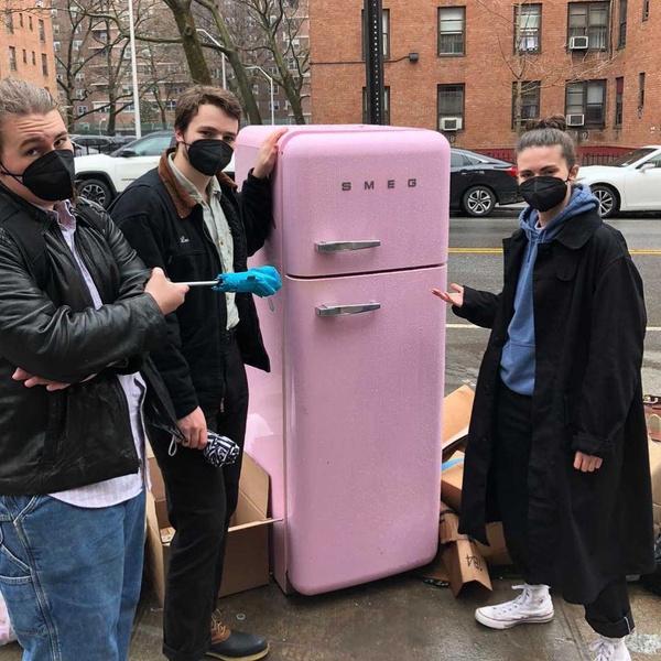 Фото №2 - С жиру бесятся: в России эти вещи стоят кучу денег, а в США их выбрасывают