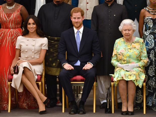 Фото №1 - Почему принцу Гарри все-таки разрешили жениться на Меган Маркл, несмотря на ее развод