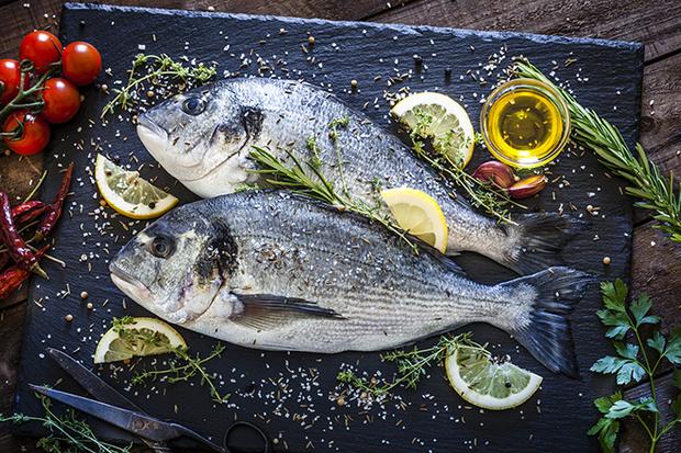 Фото №5 - Рыба, фрукты и еще 7 продуктов, которые мы моем неправильно