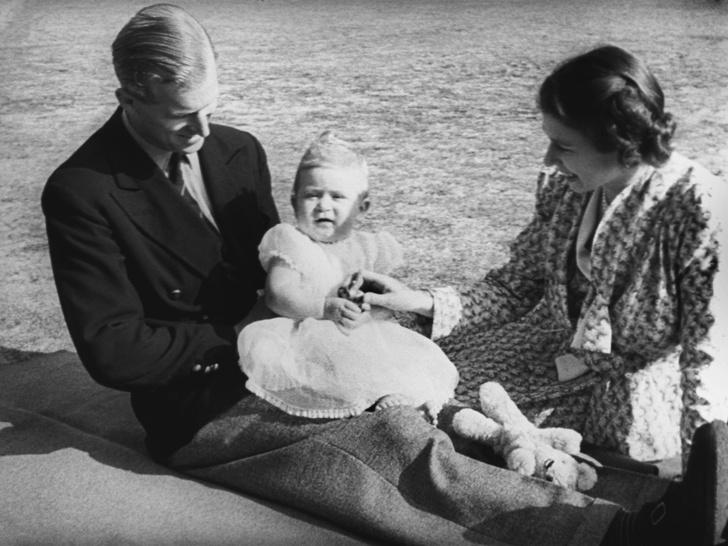 Фото №3 - Начало большой истории: как выглядел первый общий дом Королевы и принца Филиппа