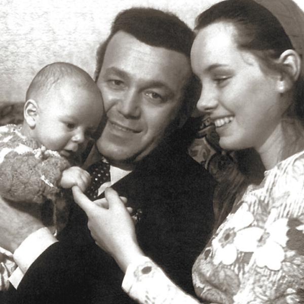 Фото №2 - «Нам достался ребенком»: вдова Иосифа Кобзона показала приемного сына, которого скрывала минимум 40 лет