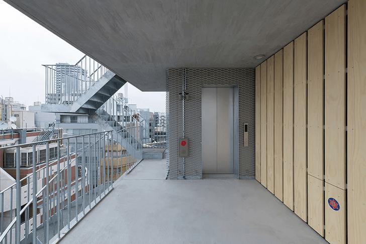 Фото №8 - Отель с лестницами на фасаде в Токио