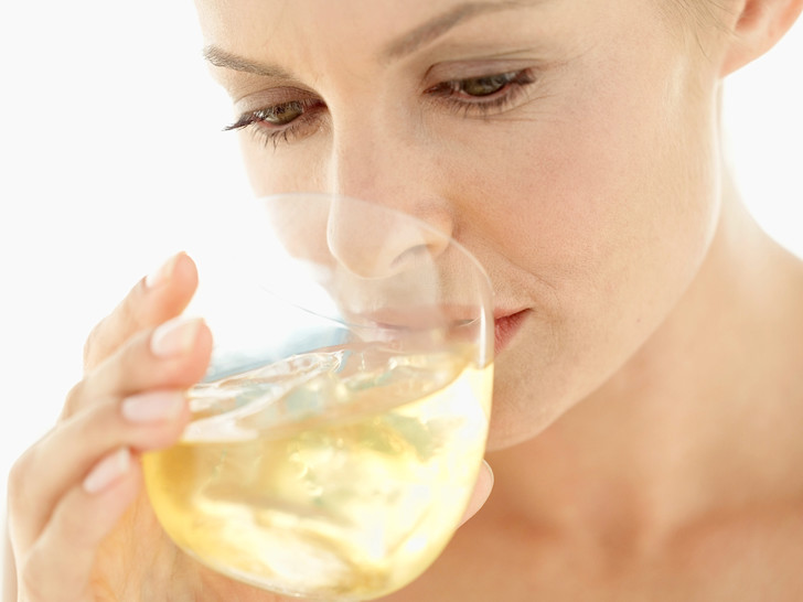 Фото №2 - Что происходит с организмом, когда вы пьете алкоголь