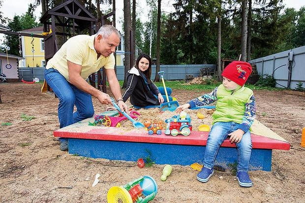 Фото №6 - 55-летний Александр Мохов впервые показал двухлетнего сына