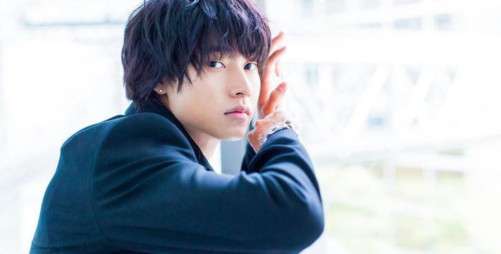Фото №1 - Самые красивые японские актеры, которые точно покорят твое сердечко 💘