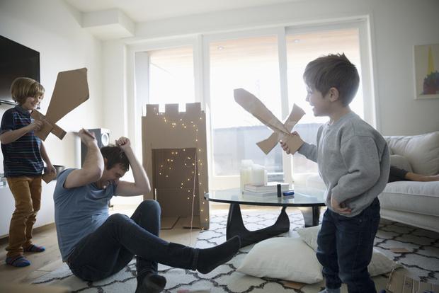 Фото №1 - 5 развивающих детских игр из подручных материалов