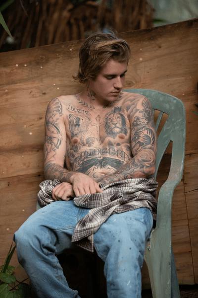 Фото №3 - Джастин Бибер раскрыл смысл своих татуировок