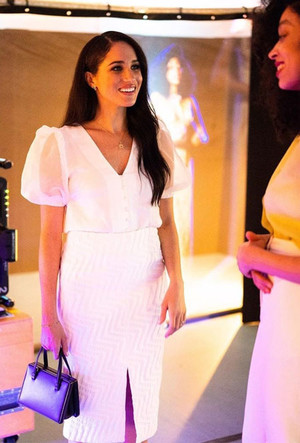 Фото №6 - Прощай, Корона: лучшие образы герцогини Меган в 2020 году