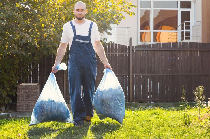 Дачников могут оштрафовать за мусор на участке