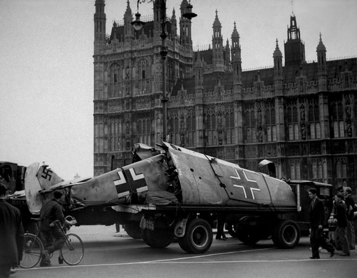 Фото №10 - «Спитфайр» против «Мессера»: 9 героических фактов «Битвы за Британию»