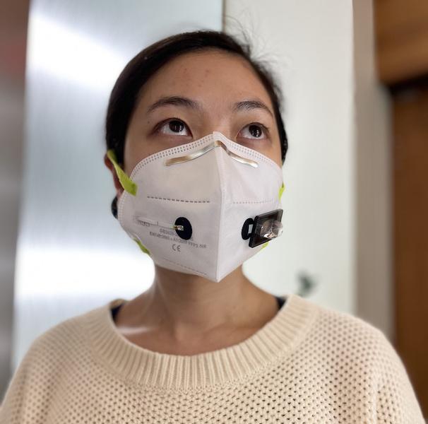 Фото №1 - Ноу-хау диагностики: тест на COVID-19 встроили в защитную маску. Результат пришлют на смартфон