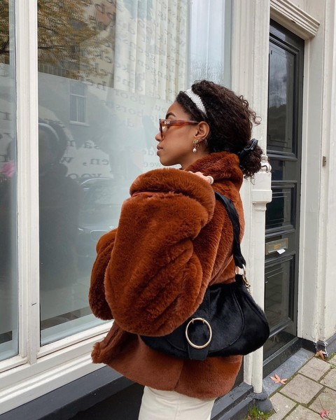 Фото №8 - Бьюти-гид: какие стрижки, укладки и оттенки волос будут в тренде зимой 2021