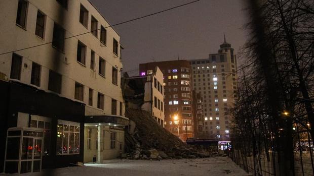 Фото №1 - Прокуратура нашла новые нарушения в действиях подрядчика, сносившего ПРОМЭКТ