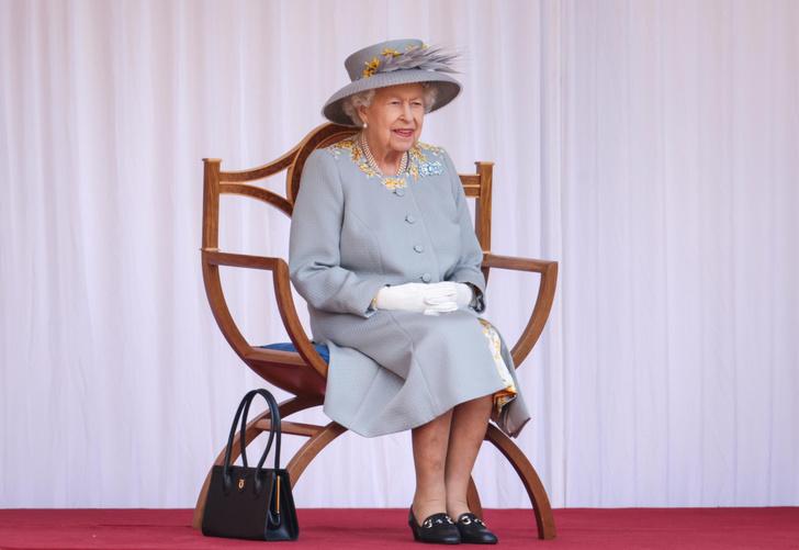 Фото №1 - Trooping The Colour 2021: как Королева отпраздновала свой официальный день рождения