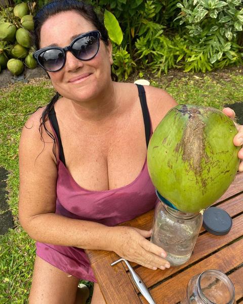 Фото №4 - Девушка Бонда весом в 100 кг: бьюти-трансформация жены Пирса Броснана