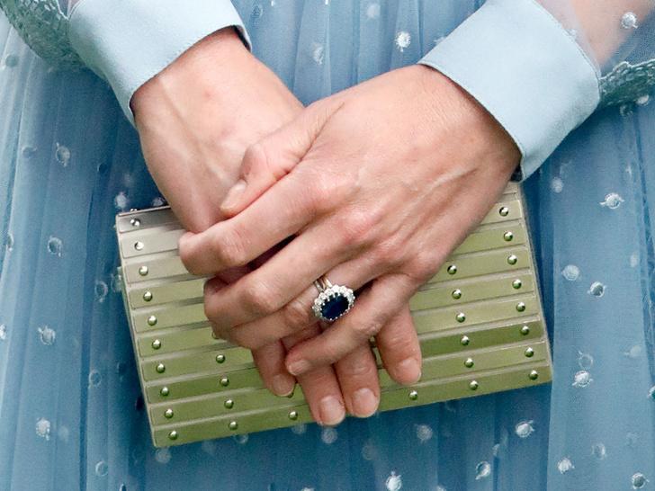 Фото №2 - Зачем герцогине Кейт второе обручальное кольцо