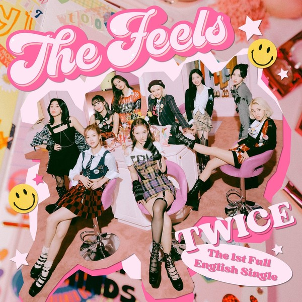 Фото №1 - По стопам BTS: TWICE выпустят свой первый английский сингл 😎