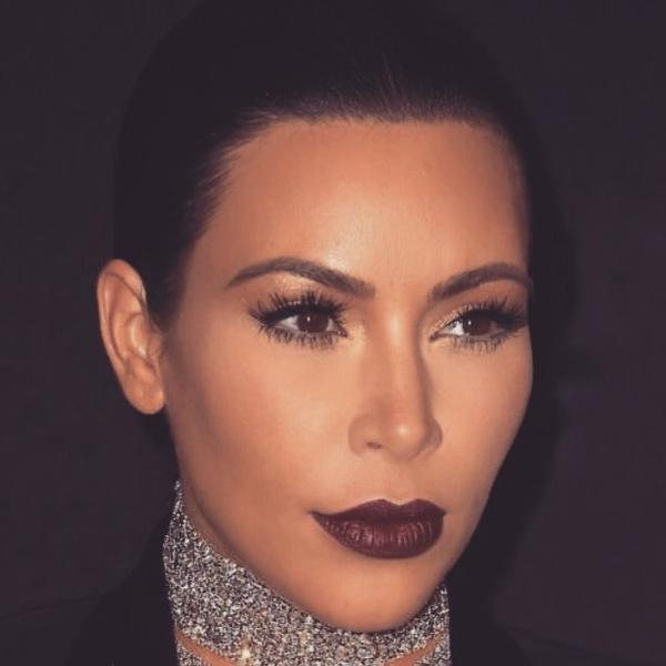 Фото №5 - Бьюти-зашквар: 10 самых нелепых мейков Ким Кардашьян