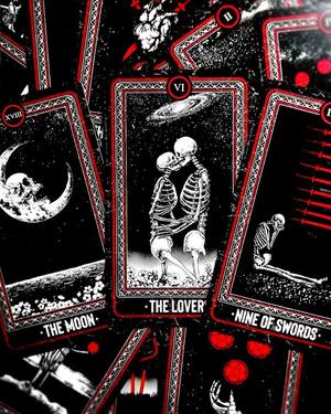 Фото №2 - Гадаем на любовь: 5 самых подходящих колод Таро