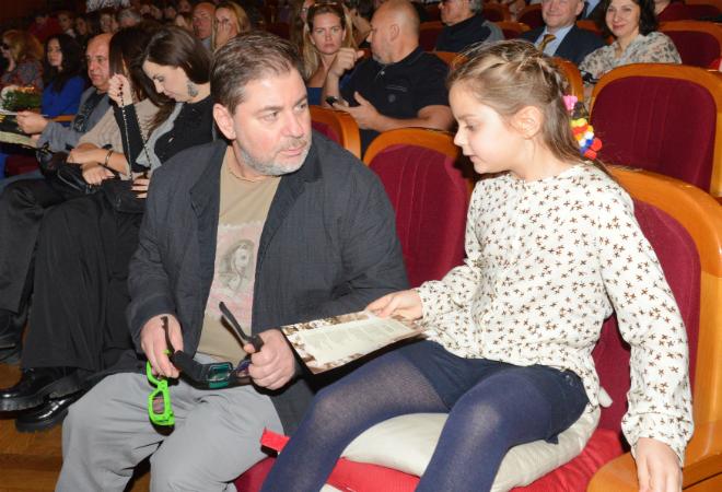 Фото №1 - Цекало, Дибров и другие звезды на премьере «Пола Негри»