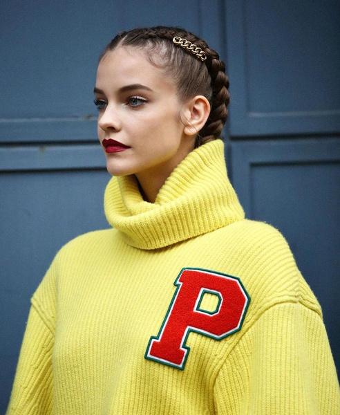 Фото №2 - Как заплести модные косички: повторяем красивую прическу Барбары Палвин