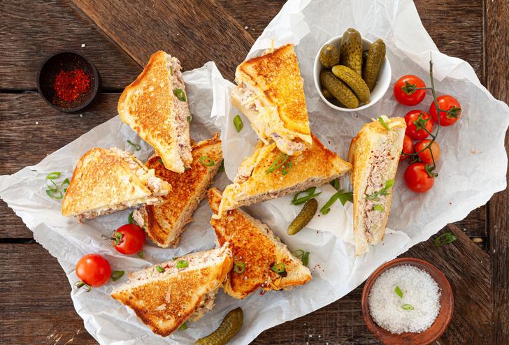 Фото №1 - Не гудеть на сэндвичи, не есть жареную курицу вилкой, не делиться паролем от Netflix: самые странные законы США
