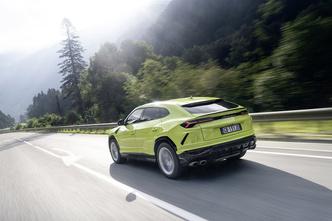 Фото №3 - Тест-драйв: не разбирая дорог— путешествие на суперкроссовере Lamborghini Urus
