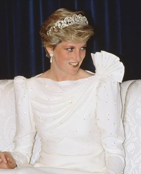 Фото №8 - Королевские фавориты: бьюти-средства, которым никогда не изменяют девушки из Букингемского дворца
