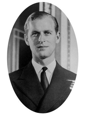 Фото №5 - Семейные узы: действительно ли Королева и принц Филипп родственники