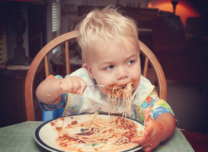 Фото №2 - Почти взрослое меню: чем кормить ребенка от года до двух лет